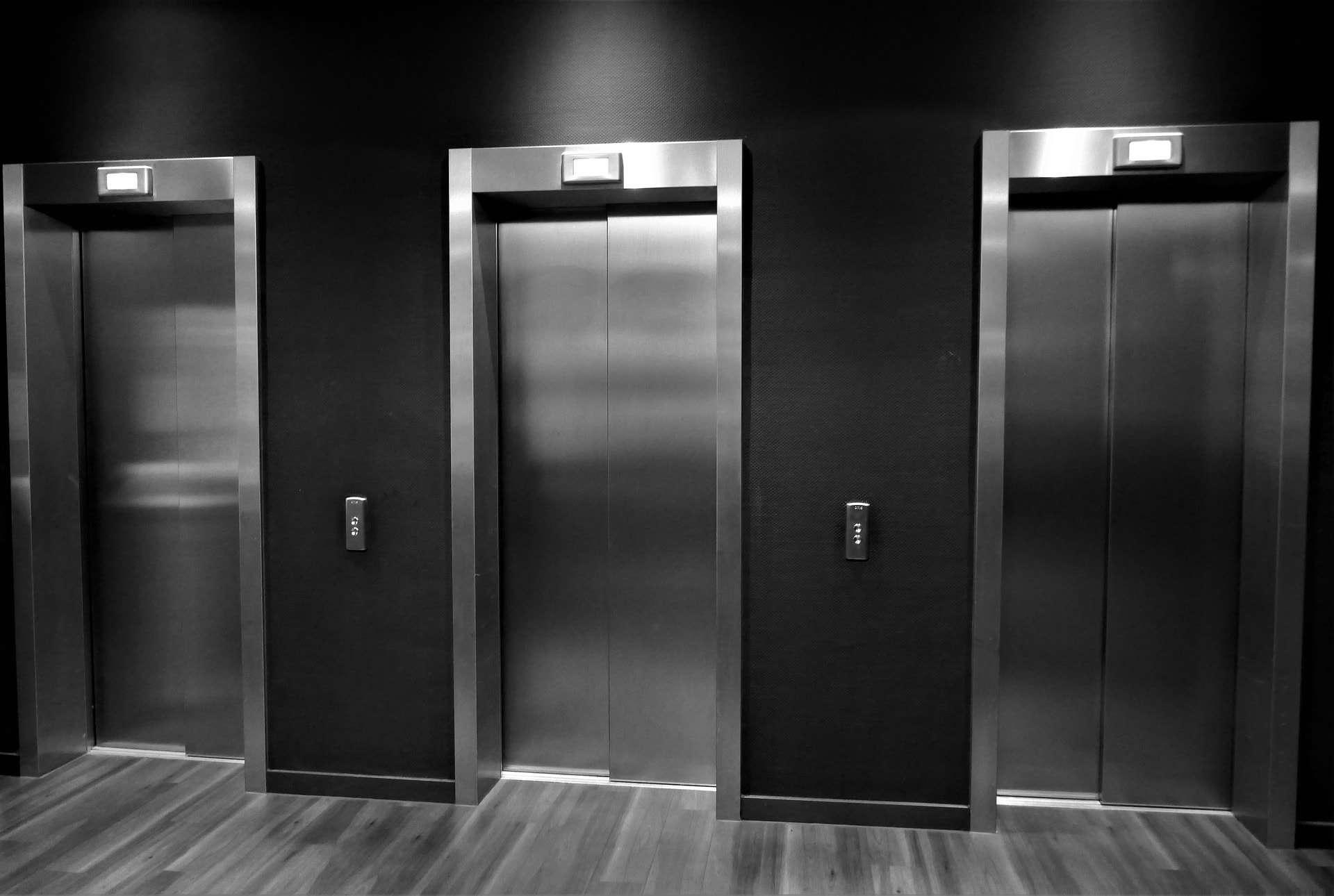 elevator-2540026_1920-min-min.jpg
